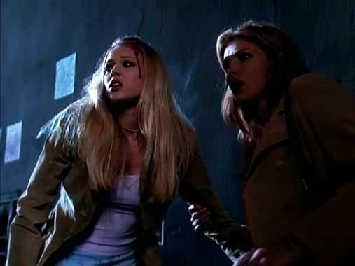 Angel S01E01: Bienvenue à Los Angeles (1999)