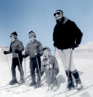 Yvon Le Gall et ses enfants au ski