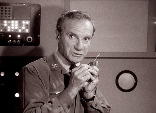 Perdu dans l'Espace S01E01: Le passager clandestin (1965)