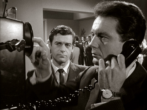 Au delà du réel S01E01: Ne quittez pas l'écoute (1963)