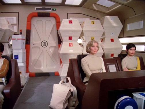 Cosmos 1999 S01E03: Le soleil noir (1975)