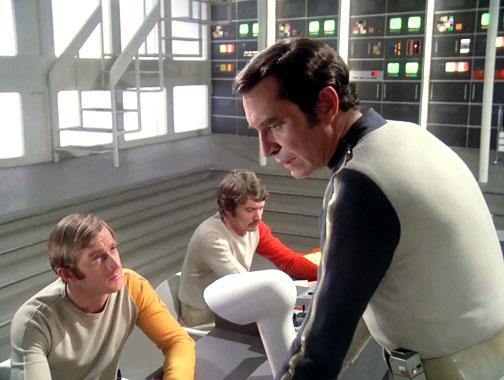 Cosmos 1999 S01E05: Direction Terre (1975)