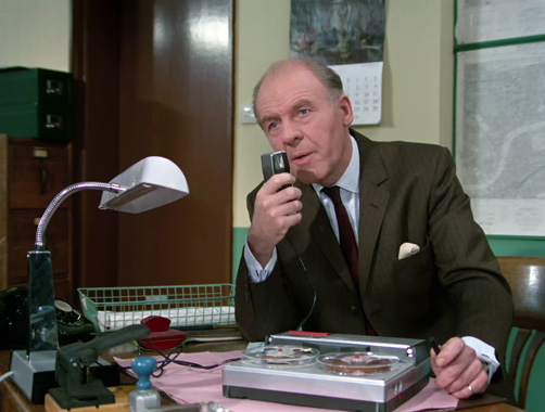 Département S S01E12 : La jolie secrétaire (1969)