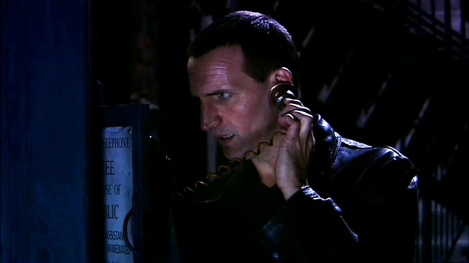 Doctor Who S01E09 : Drôle de mort (2005)