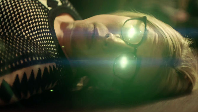 Les Magiciens S02E01: Le roi des couronnes (2017)