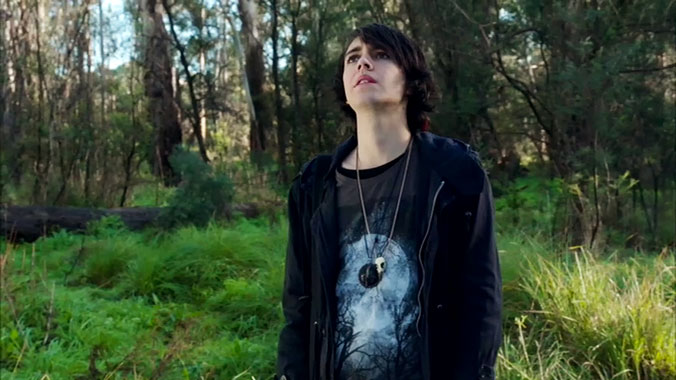 Nowhere Boys: Entre 2 mondes S02E01: Episode Second (2014)