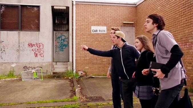 Nowhere Boys: Entre 2 mondes S02E08: Episode Huit (2015)