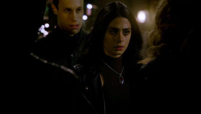Shadowhunters S02E08: L'Amour est un démon (2017)