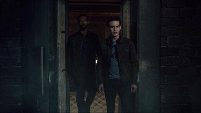 Shadowhunters S03E08: Cœur de Ténèbres (2018)