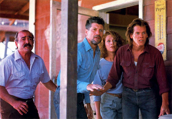 Tremors (1990) photo